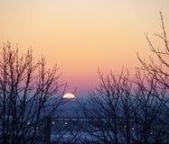 Por do sol dramático da paisagem Foto de Stock