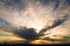 Por do sol dramático do verão Fotos de Stock