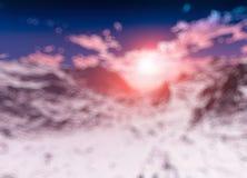 Por do sol dramático no fundo do projeto do bokeh das montanhas do inverno ilustração stock