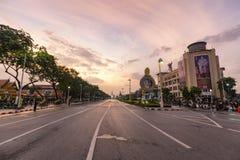 Por do sol durante a cremação de Rama 9 fotos de stock