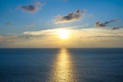 Por do sol duting do seascape bonito Foto de Stock