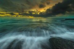 Por do sol e nascer do sol bonitos da ilha do mentawai Foto de Stock Royalty Free