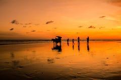 Por do sol e reflexão Imagens de Stock
