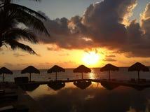 Por do sol em Cancun, México Imagens de Stock Royalty Free