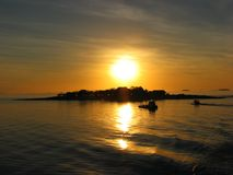Por do sol em consoles de Yasawa, Fiji imagem de stock