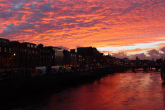 Por do sol em Dublin foto de stock royalty free