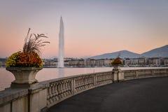 Por do sol em Genebra, Suíça Imagens de Stock