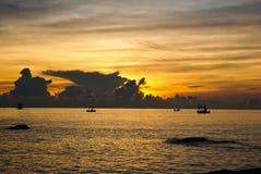 Por do sol em Hua Hin, sul de Tailândia Fotos de Stock