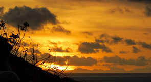 Por do sol em Indonésia Fotos de Stock