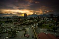 Por do sol em ipoh, perak malaysia imagem de stock