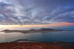 Por do sol em Isla Graciosa, Ilhas Canárias Foto de Stock