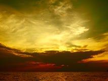 Por do sol em Kallithea Halkidikis imagens de stock royalty free