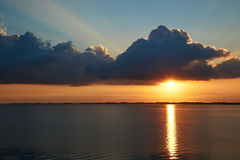 Por do sol em Knud Beach Fotografia de Stock