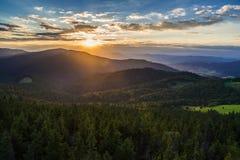 Por do sol em montanhas de Gorce fotografia de stock royalty free