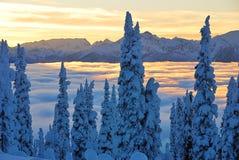 Por do sol em montanhas de Monashee Foto de Stock Royalty Free