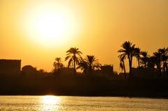 Por do sol em Nile River, Luxor, Egito imagem de stock