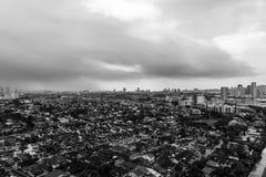 Por do sol em Petaling Jaya, Selangor, Malásia imagem de stock