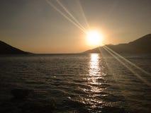 Por do sol em Porto Germeno - Grécia Fotos de Stock