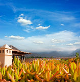Por do sol em Puerto de la Cruz, Tenerife, Spain. Recurso do hotel do turista. Por do sol Fotografia de Stock Royalty Free