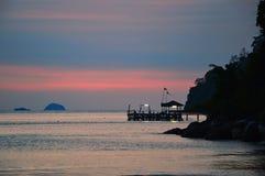 Por do sol em Pulau Tioman, Malásia imagem de stock