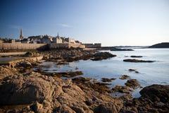 Por do sol em Saint Malo imagem de stock royalty free