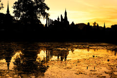 Por do sol em Sukhotai Fotos de Stock