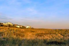 Por do sol em um dia de novembro, na praia New York de Hamptons fotos de stock
