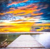 Por do sol em um lago Foto de Stock Royalty Free