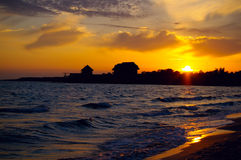 Por do sol em um Mar Negro Fotografia de Stock Royalty Free