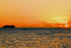 Por do sol em Waikiki Imagens de Stock Royalty Free