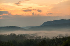 Por do sol espetacular na Croácia Foto de Stock