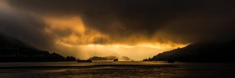 Por do sol espetacular no rio rhine foto de stock royalty free