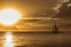 Por do sol famoso de Boracay imagem de stock royalty free