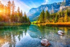 Por do sol fantástico do outono do lago Hintersee fotos de stock royalty free