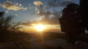 Por do sol filipino nas montanhas de Antipolo Fotografia de Stock
