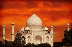Por do sol filtrado retro sobre Taj Mahal, Índia fotografia de stock