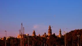 Por do sol flamejante em Barcelona Fotos de Stock
