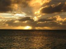 Por do sol fora da ilha da garça-real, Austrália Fotografia de Stock