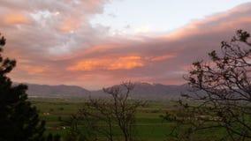 Por do sol fora do patamar Fotografia de Stock Royalty Free