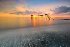 Por do sol impressionante no seascape Fotos de Stock Royalty Free