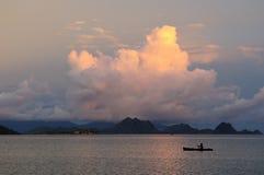 Por do sol indonésio bonito Imagens de Stock