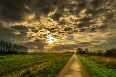 Por do sol intenso Imagem de Stock