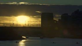 Por do sol 4K UHD da balsa de False Creek vídeos de arquivo