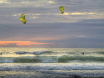 Por do sol Kiting Fotos de Stock Royalty Free