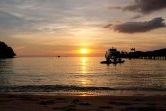 Por do sol Koh Kood do mar de Tailândia Fotografia de Stock Royalty Free