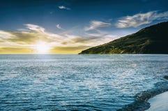 Por do sol lindo sobre o mar Foto de Stock Royalty Free