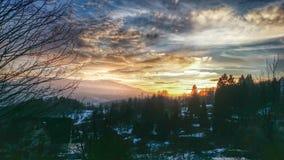 Por do sol majestoso na paisagem das montanhas Fotografia de Stock