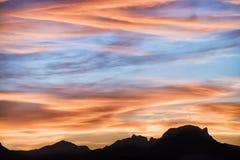Por do sol majestoso na paisagem das montanhas Imagens de Stock Royalty Free