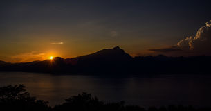 Por do sol maravilhoso em lago di garda Imagem de Stock Royalty Free