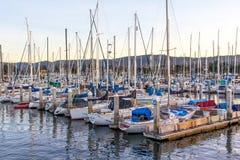 Por do sol na baía de Monterey, Califórnia imagem de stock royalty free